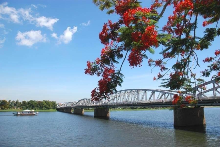 City Tour Huế 1 Ngày + Ăn Trưa Buffet, Du Thuyền Sông Hương Đón Tiễn Từ Huế