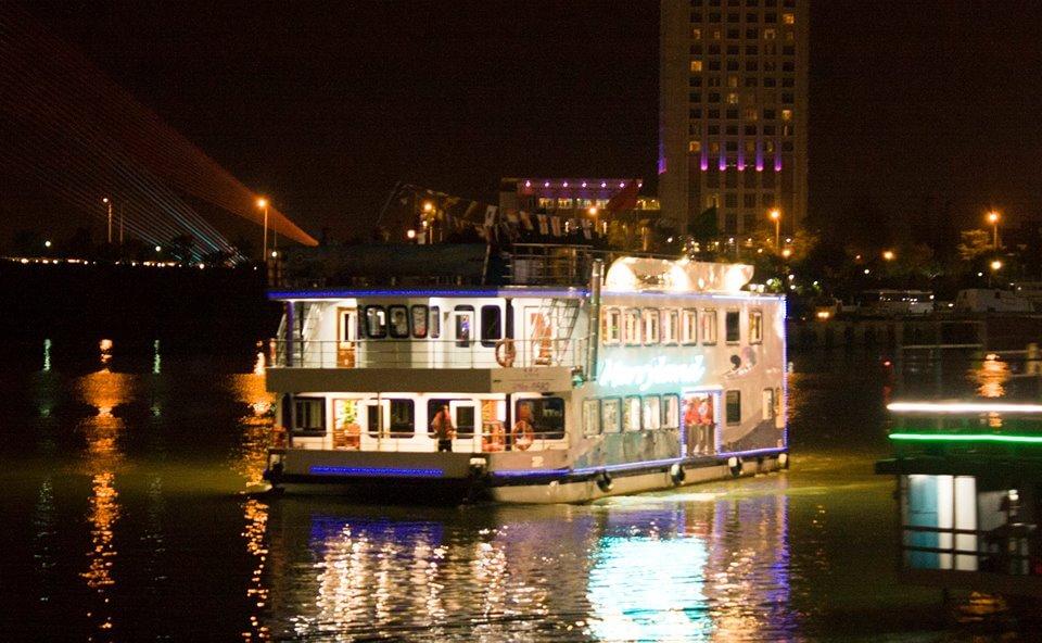Vé Du Thuyền Sông Hàn Ngắm Cầu Rồng Phun Lửa