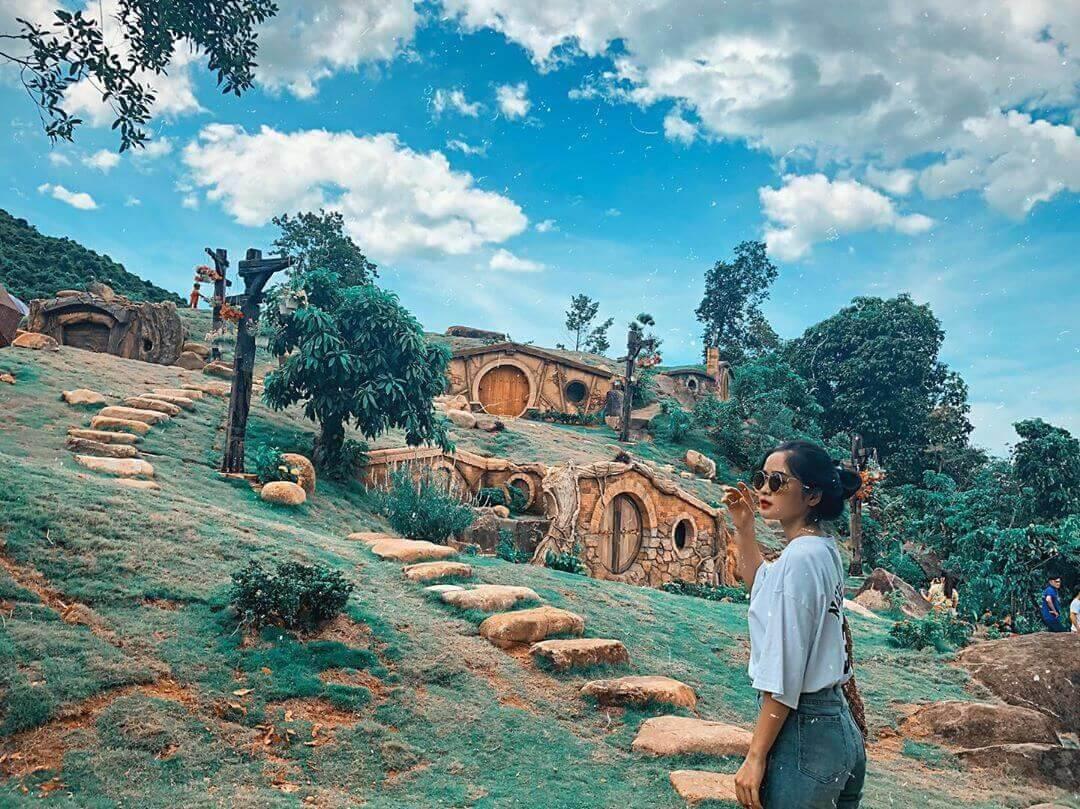 tour Bạch Mã Village từ Đà Nẵng